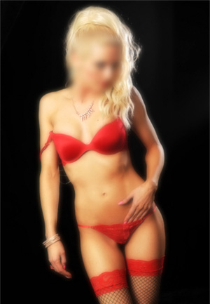 Claudia – Blonde British Escort